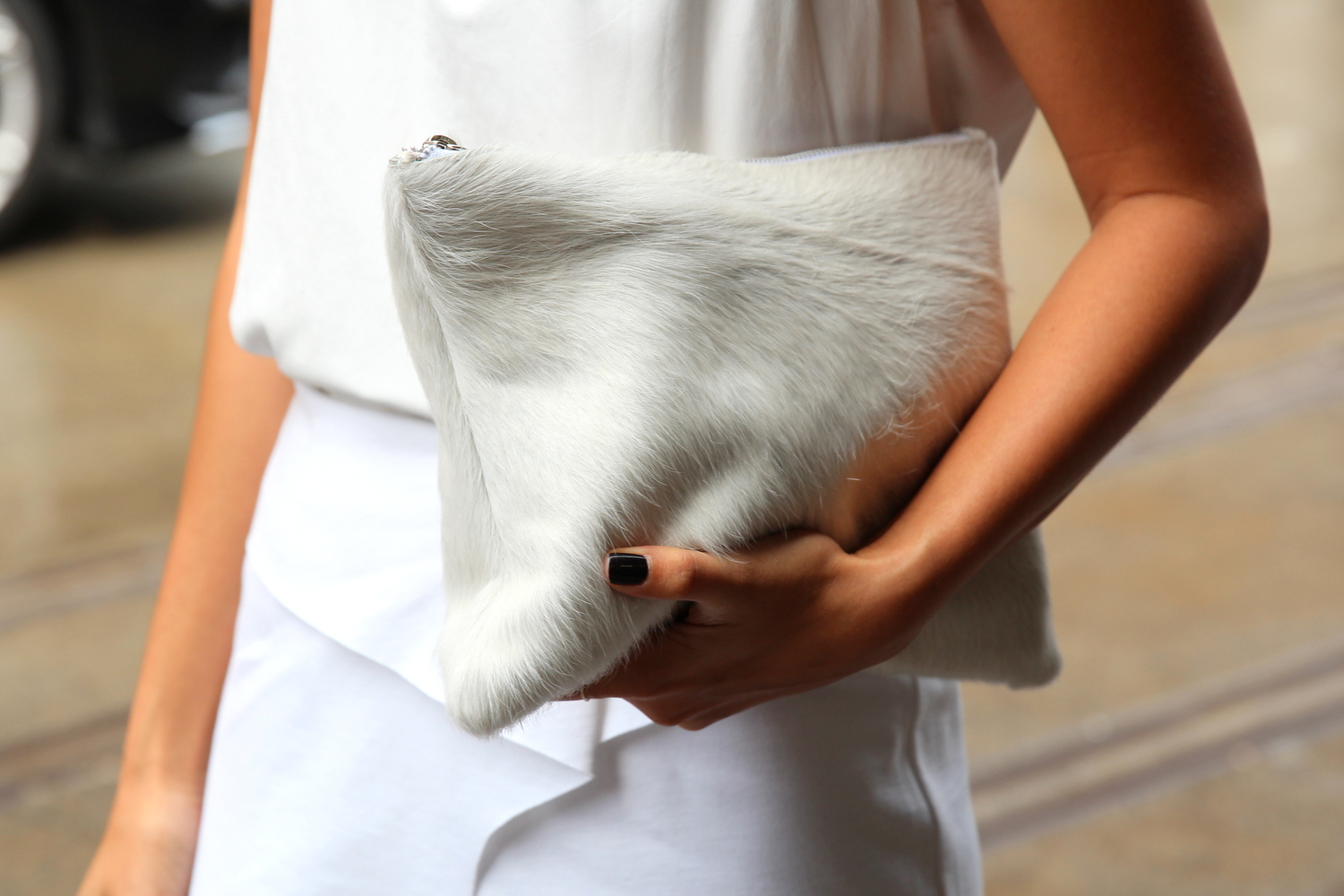 Eska Alikai white clutch
