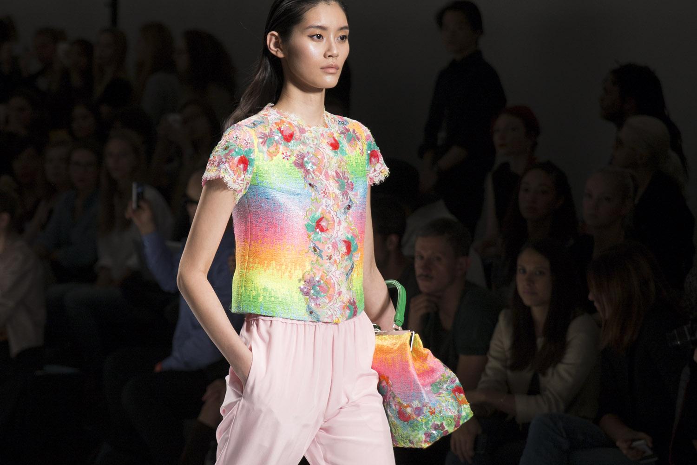 Shiatzy Chen Fashion Week S S
