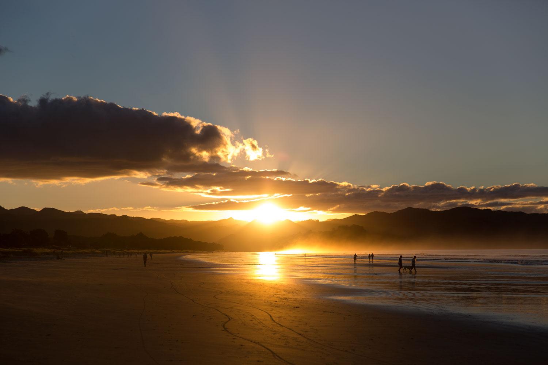 FOUREYES ON THIS WEEK: Sunset in Matarangi
