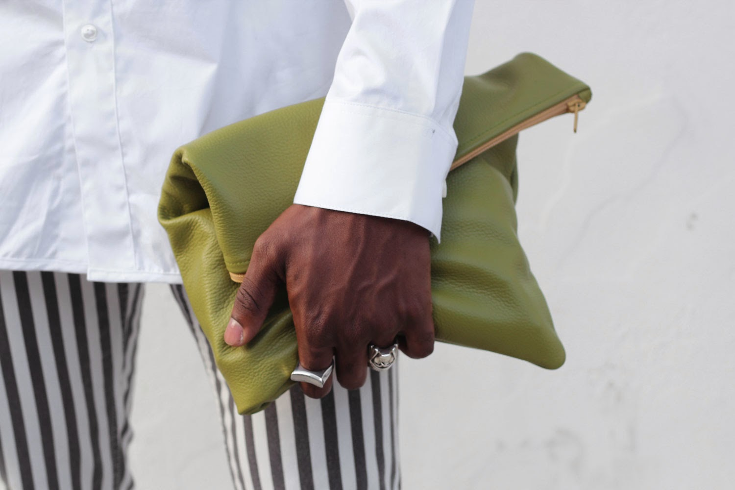 GREEN LEATHER AMERICAN APPAREL CLUTCH